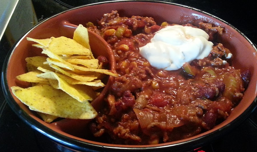 Higgs' Chilli with Tortillas and Sour Cream