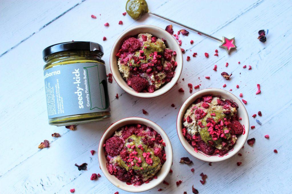Potes de aveia assados com framboesa e pistache - SpamellaB's Health Food Blog 28